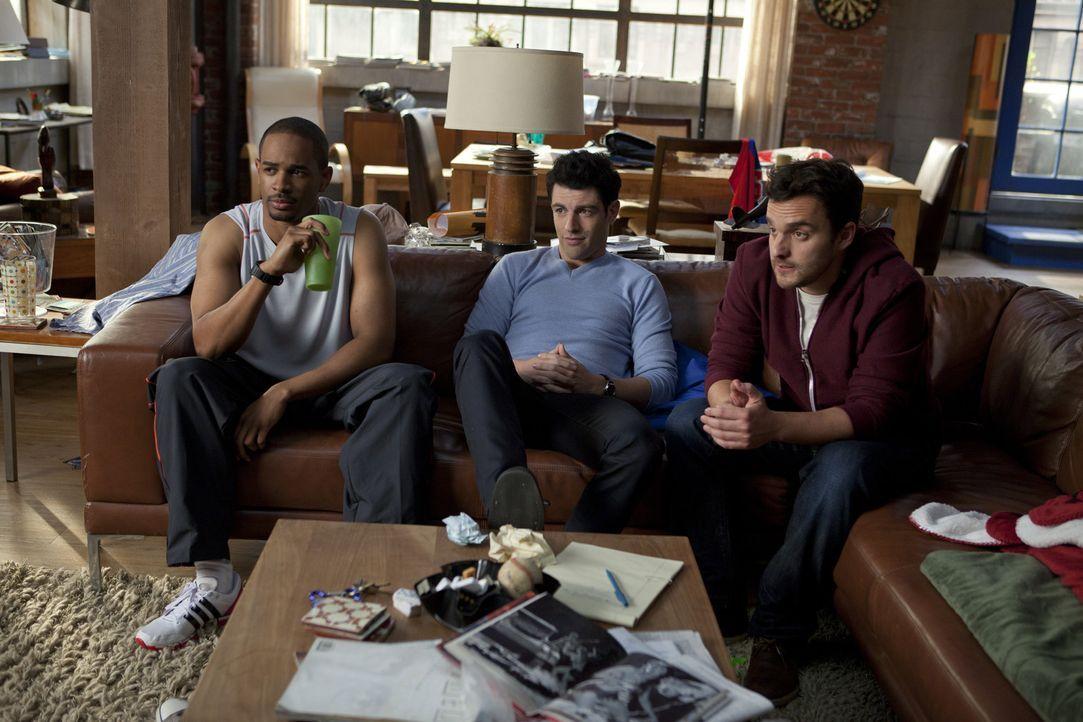 Trotz ihrer Macken schließen Nick (Jake M. Johnson, r.), Schmidt (Max Greenfield, M.) und Coach (Damon Wayans, Jr, l.) die chaotische Jess ins Herz... - Bildquelle: 20th Century Fox