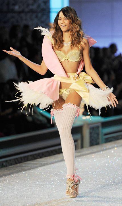 victoria-secret-fashion-show-2011-34-unknown-model-afpjpg 1128 x 1900 - Bildquelle: AFP