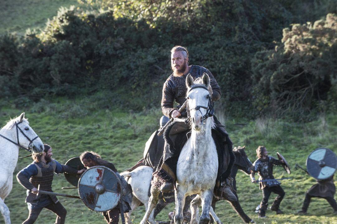Hat im Kampf gegen König Ecbert viele Männer verloren: Ragnar (Travis Fimmel) ... - Bildquelle: 2014 TM TELEVISION PRODUCTIONS LIMITED/T5 VIKINGS PRODUCTIONS INC. ALL RIGHTS RESERVED.