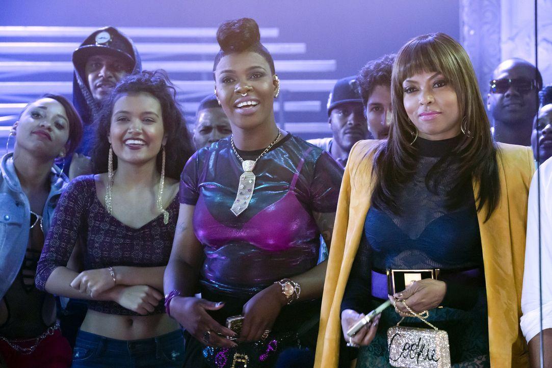 Sind gespannt, wer das Rap-Battle zwischen Freda und Hakeem für sich entscheidet: Cookie (Taraji P. Henson, r.), Laura (Jamila Velazquez, l.) und Po... - Bildquelle: Chuck Hodes 2015-2016 Fox and its related entities.  All rights reserved.