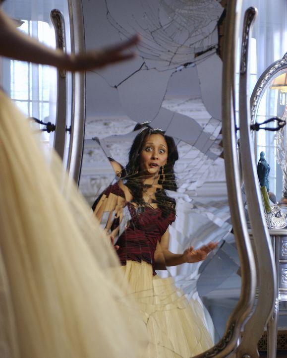 Hex, hex: Doch die attraktive Jung-Hexe Camryn (Tamera Mowry) muss noch viel und lange üben ... - Bildquelle: Disney - ABC - ESPN Television