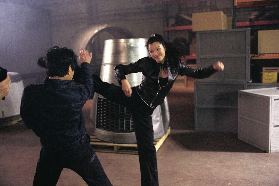 Der taiwanesische Regierungsagent Su (Jet Li, l.) hat es nicht nur auf die schwarzen Diamanten abgesehen, sondern vor allem auf den skrupellosen Gan... - Bildquelle: Warner Bros.