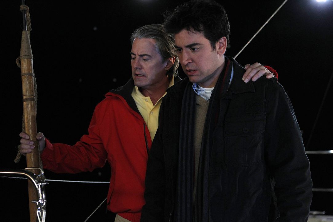 """Ein Segeltörn - mit ungeahnten Folgen: """"Der Captain"""" (Kyle MacLachlan, l.) und Ted (Josh Radnor, r.) ... - Bildquelle: 20th Century Fox International Television"""