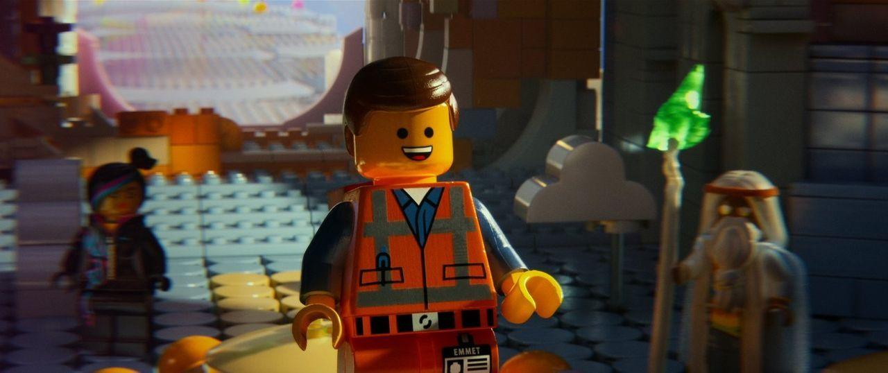 Wird fälschlicherweise für einen Helden gehalten: der gutmütige Bauarbeiter Emmet ... - Bildquelle: 2014 Warner Brothers