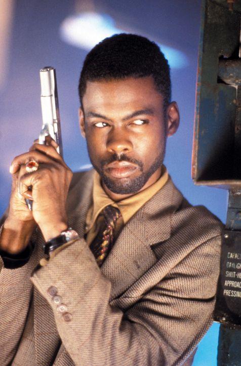 Wird den Cops Roger Murtaugh und Martin Riggs zur Seite gestellt: Detective Lee Butters (Chris Rock) ... - Bildquelle: Warner Bros. Pictures