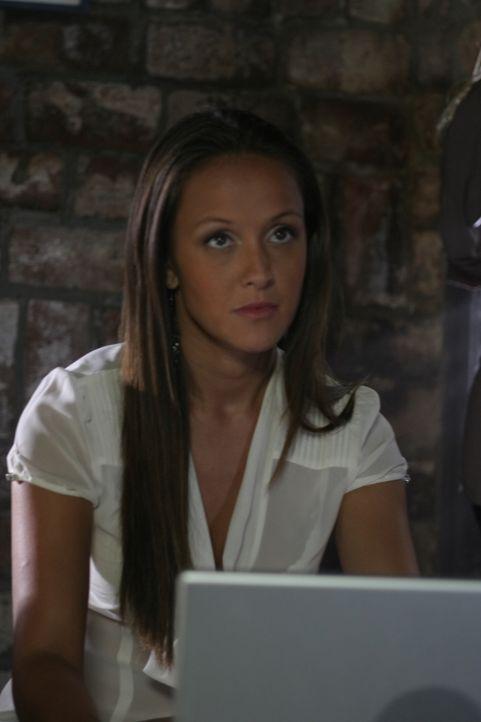 Sieht sehr nett aus, ist es aber nicht: Isabelle (Crystal Lowe) ... - Bildquelle: 2008   Warner Brothers