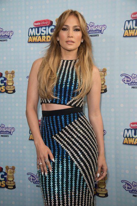 Radio-Disney-Music-Awards-150426-18-DISNEY-CHANNEL