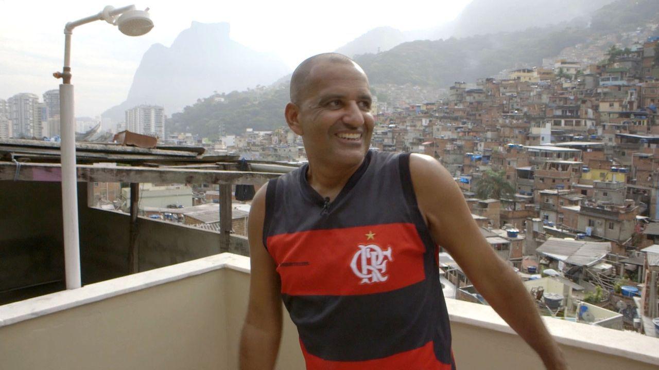 """""""taff"""" schaut sich die verschiedenen Behausungen in Rio genau an und trifft die Menschen, die in ihnen wohnen ... - Bildquelle: ProSieben"""