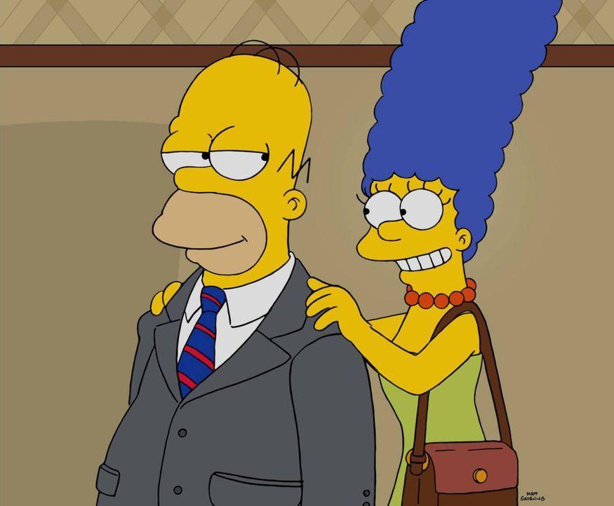 Mit dem richtigen Stll soll Homer (l.) schnell befördert werden, denkt zu mindestens seine Frau Marge (r.), die ihn neu eingekleidet hat ... - Bildquelle: 2016-2017 Fox and its related entities. All rights reserved.