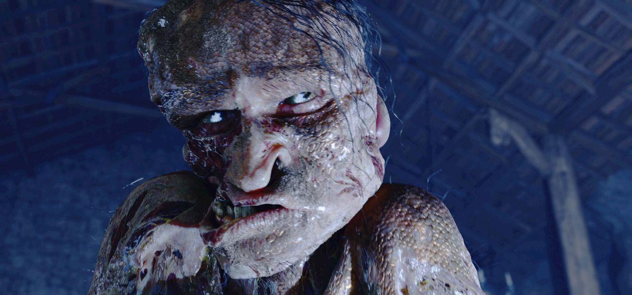 Verträgt keinen Lärm: Immer wenn König Hrothgar ein Fest gibt, taucht das Monster Grendel (Crispin Glover) in der Met-Halle auf und schlachtet di... - Bildquelle: 2007 Warner Brothers International Television Distribution Inc.