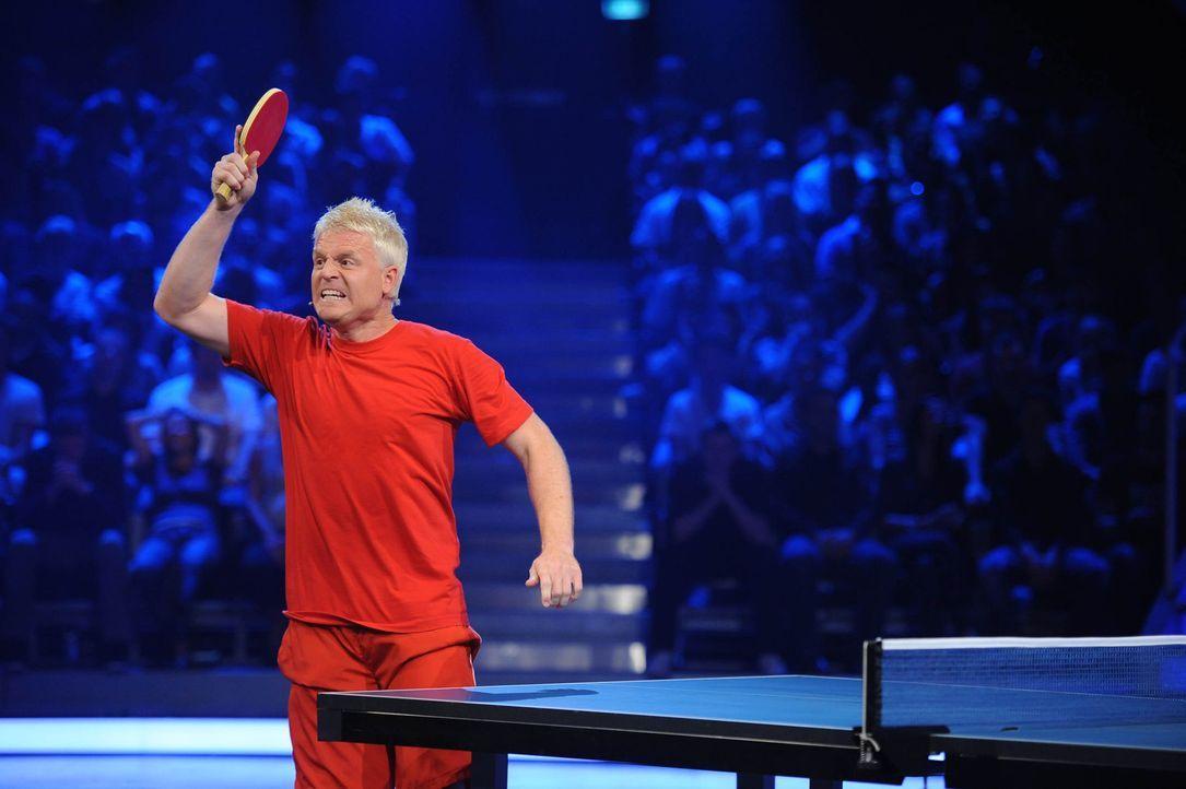 In bis zu neun Spielen unterschiedlichster Disziplin misst sich der Komiker und Karnevalist Guido Cantz mit einem noch unbekannten Herausforderer ... - Bildquelle: ProSieben