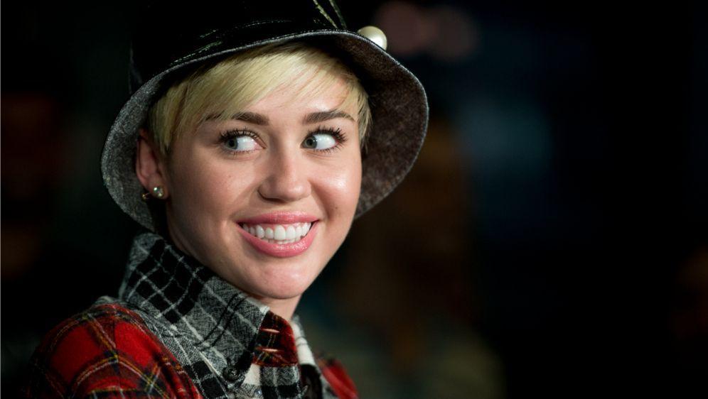 Miley Cyrus gerne nackt: Frauen sollen sich mehr ausziehen
