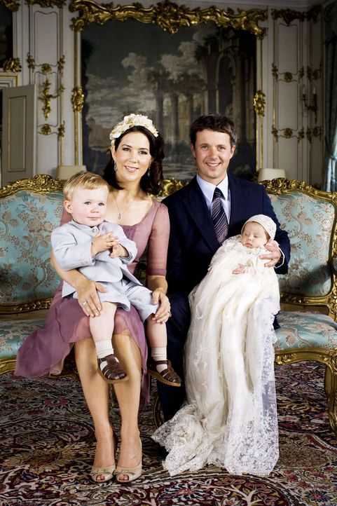 Taufe-Prinzessin-Isabella-von-Dänemark-07-07-01-01-AFP - Bildquelle: AFP
