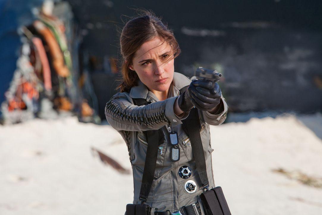 Nachdem die CIA-Agentin Moira MacTaggert (Rose Byrne) zufällig Mutantenkräfte erlebt, macht sie sich auf die Suche nach entsprechenden Trägern. S... - Bildquelle: TM and   2011 Twentieth Century Fox Film Corporation, All Rights Reserved.