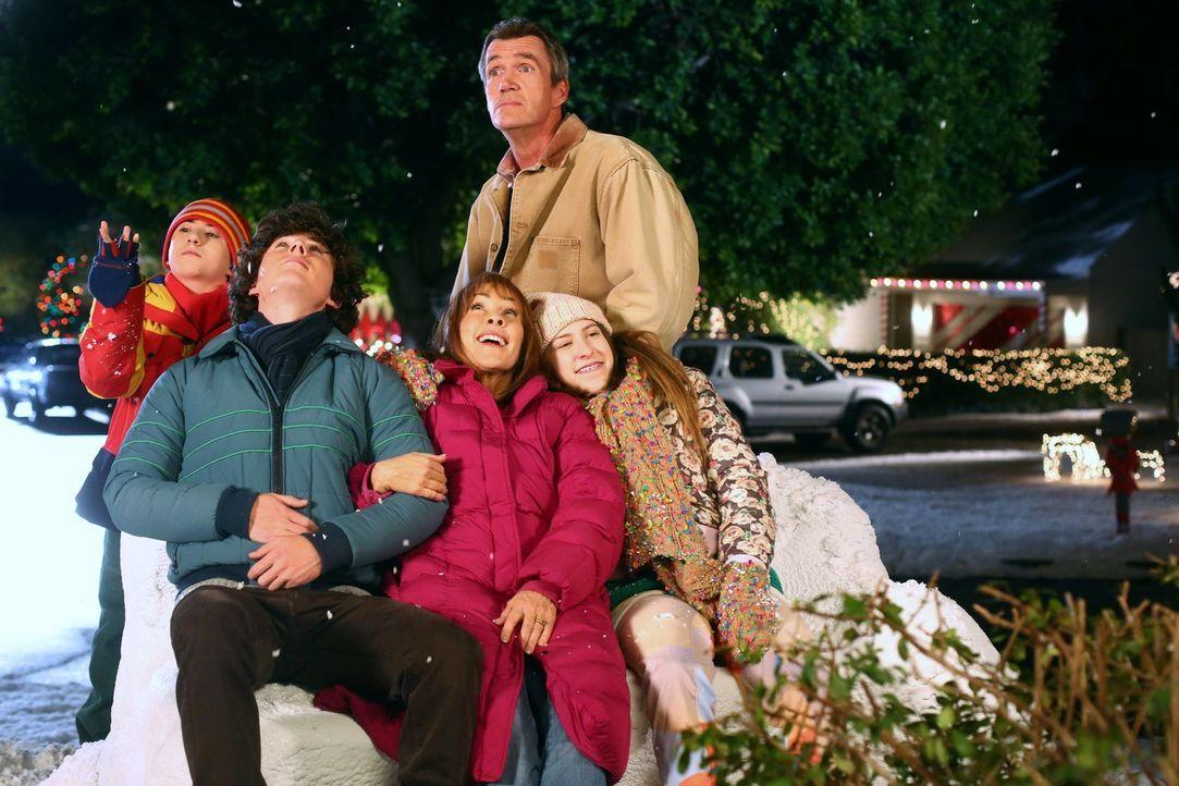 Axl kommt über die Weihnachtsferien nach Hause - möchte seine freie Zeit abe... - Bildquelle: Warner Brothers