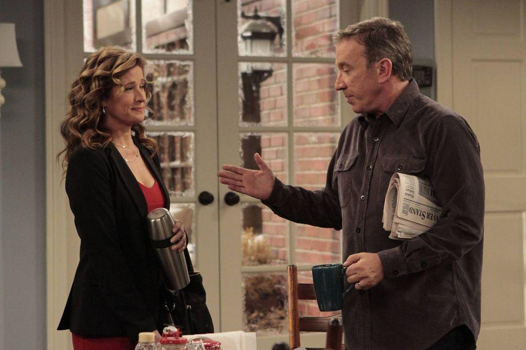 Die Arbeit im Haus macht Vanessa (Nancy Travis, l.) zu schaffen. Deshalb schlägt sie Mike (Tim Allen, r.) vor, eine Haushaltshilfe einzustellen. Der... - Bildquelle: 2011 Twentieth Century Fox Film Corporation