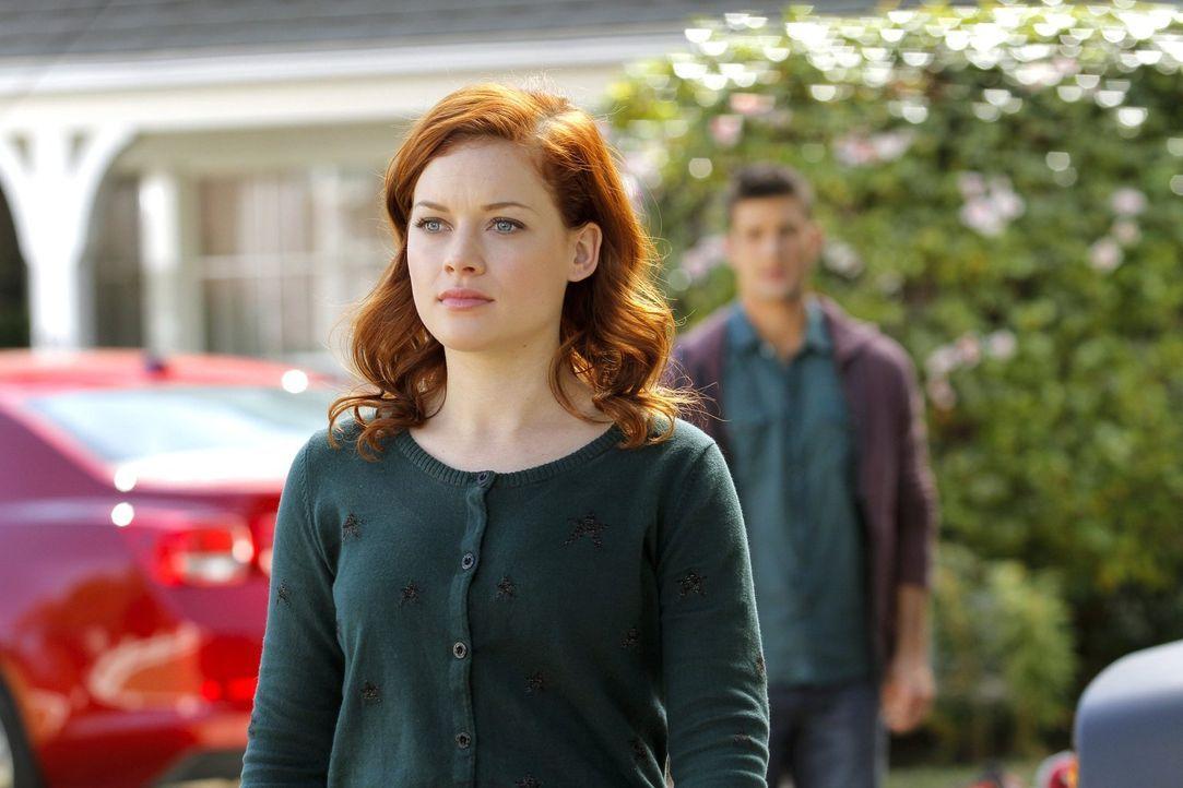 Tessa (Jane Levy) muss sich endlich eingestehen, dass sie immer noch ständig an Ryan denkt. Gibt es eine zweite Chance für die beiden? - Bildquelle: Warner Brothers