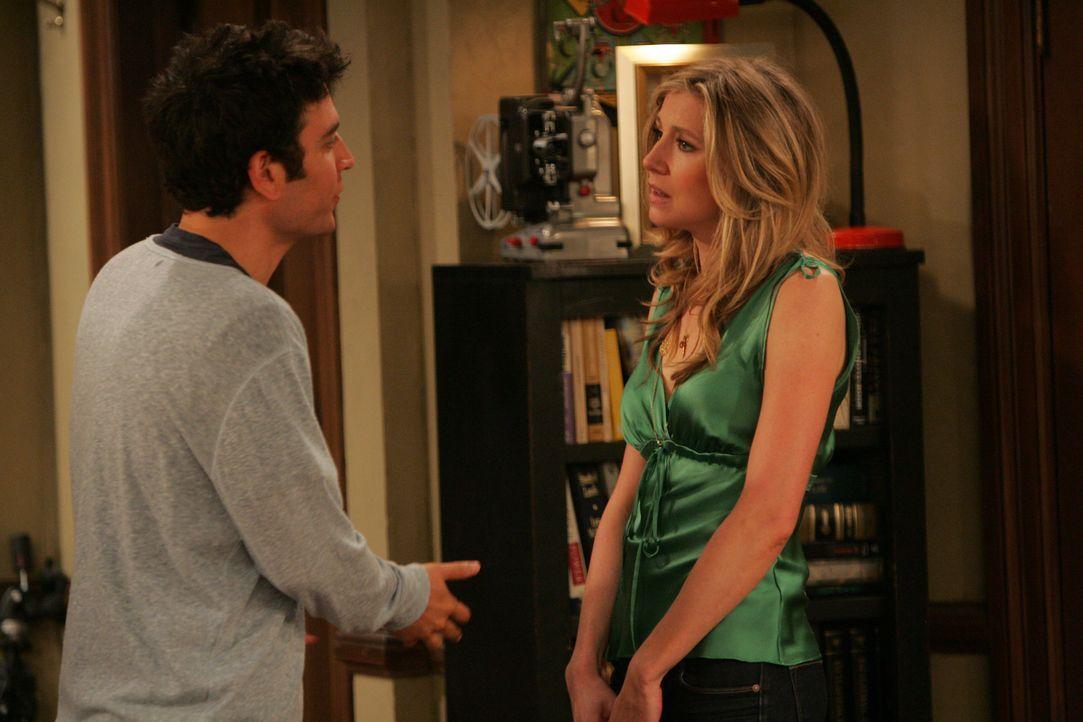 Ted (Josh Radnor, l.) und Stella (Sarah Chalke, r.) sind bereits seit zwei Monaten zusammen, hatten aber noch keinen Sex. Endlich wollen sie es ange... - Bildquelle: 20th Century Fox International Television