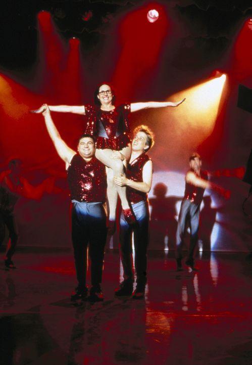 Tausend Träume werden war: Mary (Molly Shannon, M.) auf der Bühne der Highschool-Aula ... - Bildquelle: Paramount Pictures