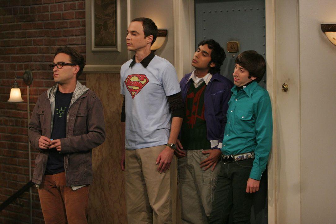 Wollen Penny behilflich sein: Leonard (Johnny Galecki, l.), Sheldon (Jim Parsons, 2.v.l.), Rajesh (Kunal Nayyar, 2.v.r.) und Howard (Simon Helberg,... - Bildquelle: Warner Bros. Television