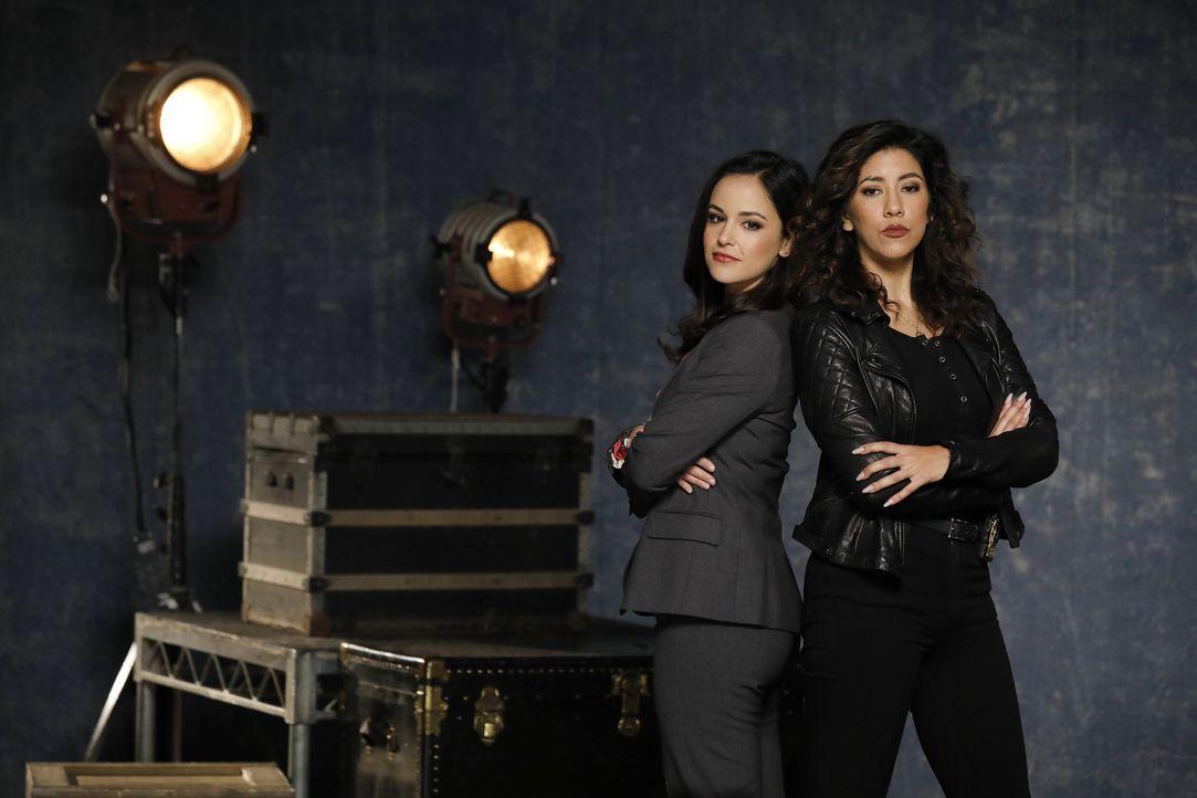 (6. Staffel) - Amy Santiago (Melissa Fumero, l.); Rosa Diaz (Stephanie Beatriz, r.) - Bildquelle: Trae Patton 2019 UNIVERSAL TELEVISION LLC. All rights reserved. / Trae Patton