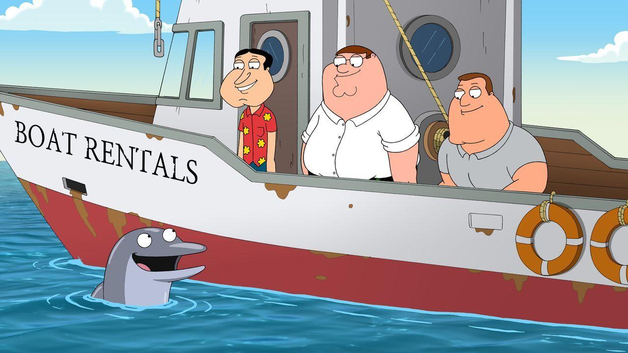 Als Quagmire (2.v.l.), Peter (2.v.r.) und Joe (r.) einen Mercedes vom Meeresgrund bergen wollen, kommt ihnen der Delfin Billy zu Hilfe ... - Bildquelle: 2011 Twentieth Century Fox Film Corporation. All rights reserved.