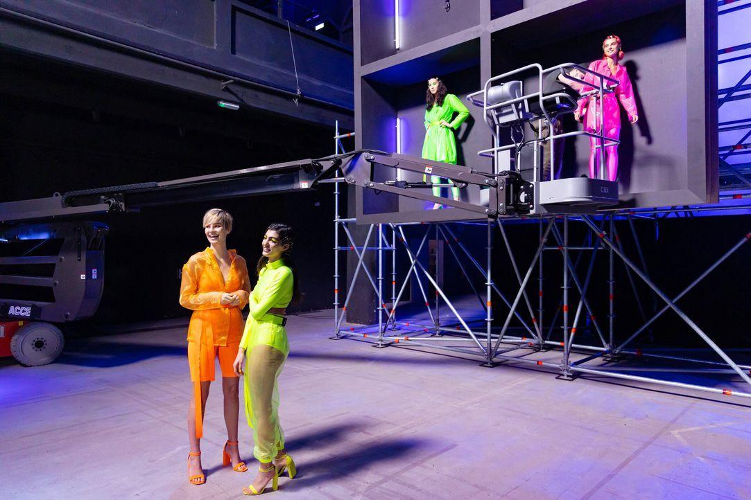 P7_GNTM_2196230-Romina-Alex-Soulin-Mareike - Bildquelle: ProSieben/Richard Hübner