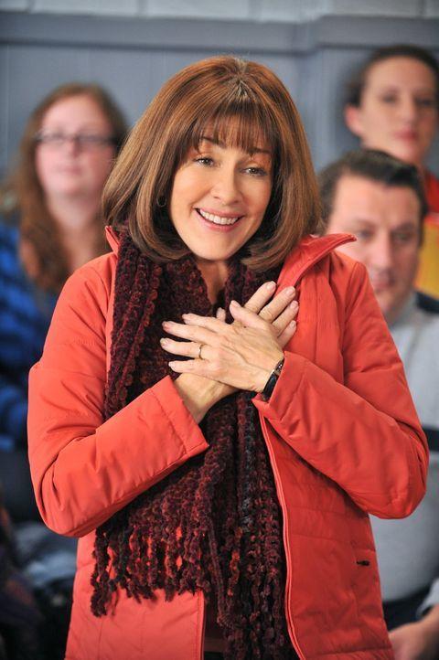 Nach der Beerdigung von Tante Ginny beginnt Frankie (Patricia Heaton) sich zu fragen, ob sie besondere Ereignisse in ihrem Familienleben genügend ge... - Bildquelle: Warner Brothers