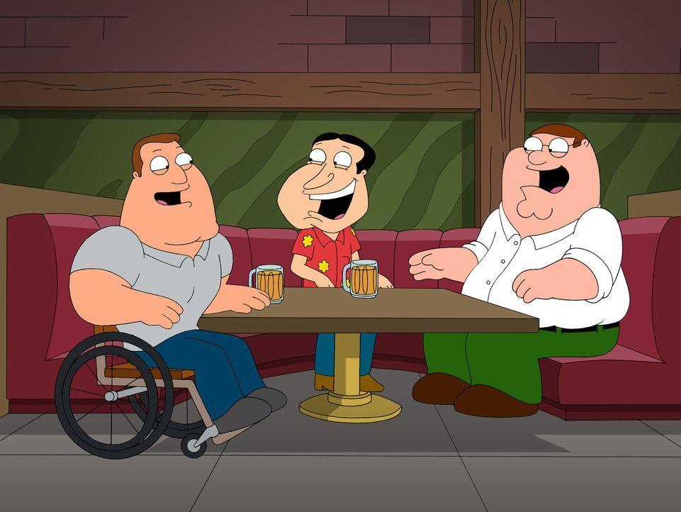 Die Freunde Joe (l.), Quagmire (M.) und Peter (r.) kommen ins Philosophieren, wo denn wohl all die schmutzigen Witze dieser Welt ihren Ursprung habe... - Bildquelle: 2007-2008 Twentieth Century Fox Film Corporation. All rights reserved.