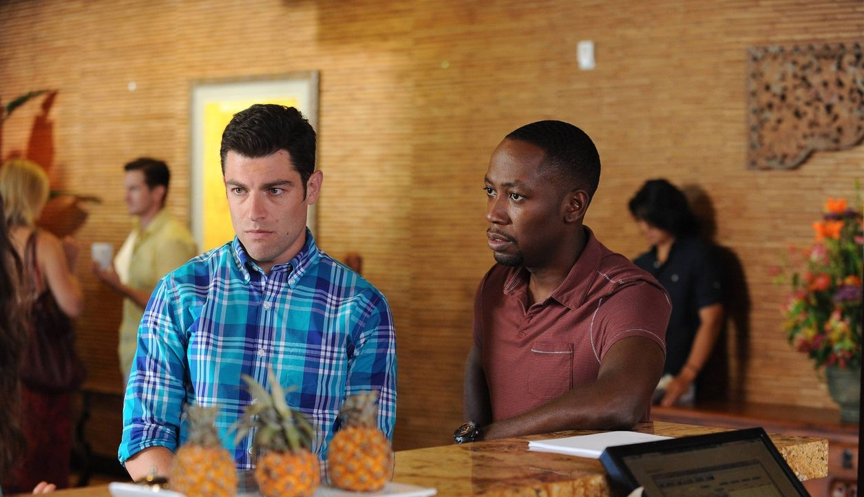 Versuchen alles, um Nick in Mexiko zu helfen: Schmidt (Max Greenfield, l.) und Winston (Lamorne Morris, r.) ... - Bildquelle: TM &   2013 Fox and its related entities. All rights reserved.