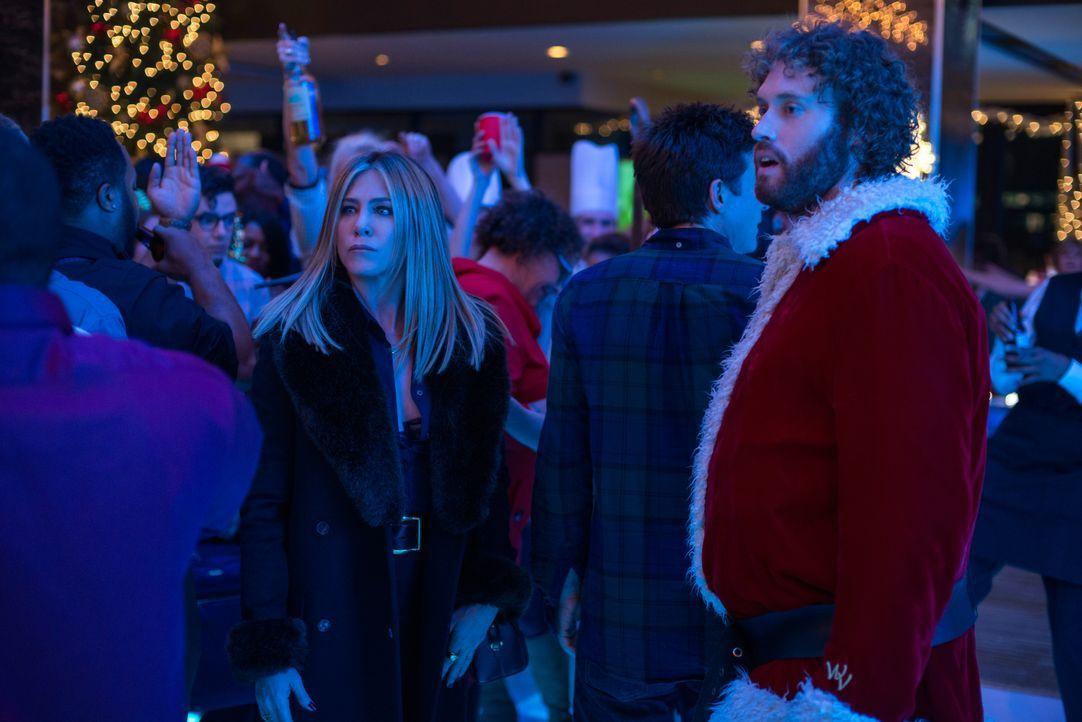 Carol Vanstone (Jennifer Aniston, l.); Clay Vanstone (T.J. Miller, r.) - Bildquelle: 2016 Constantin Film Verleih GmbH