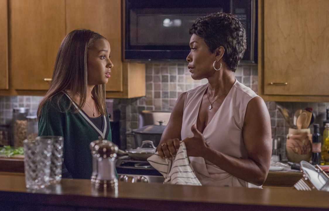 May Grant (Corinne Massiah, l.); Athena Grant (Angela Bassett, r.) - Bildquelle: 2018-2019 Twentieth Century Fox Film Corporation. All rights reserved.