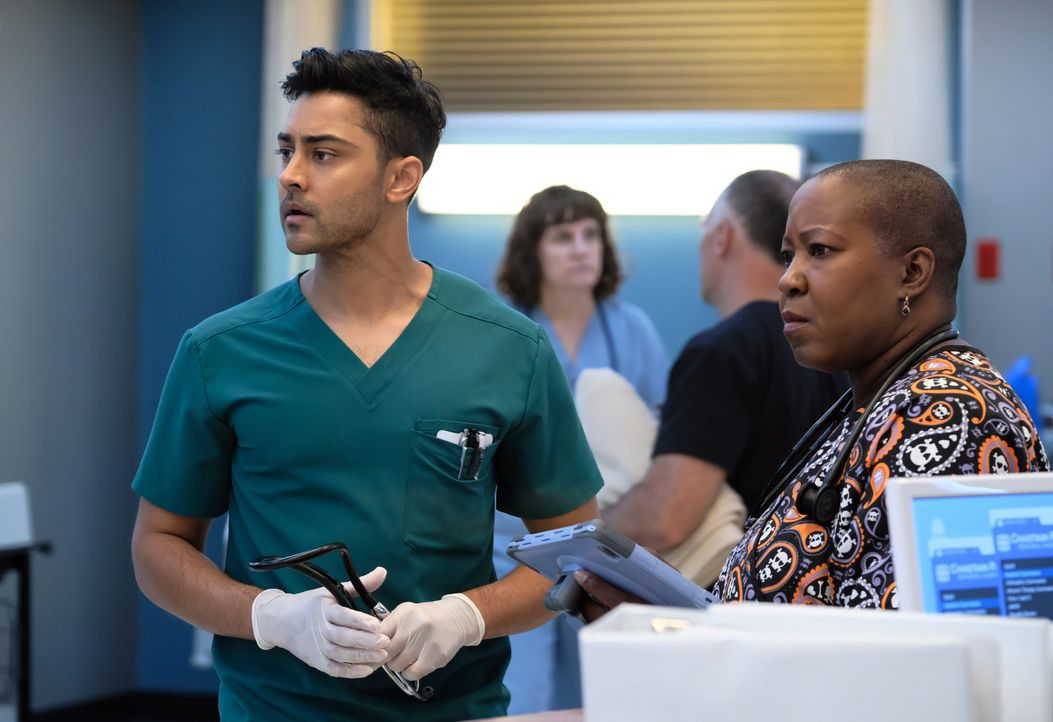 Dr. Devon Pravesh (Manish Dayal, l.); Schwester Hundley (Denitra Isler, r.) - Bildquelle: 2018-2019 Twentieth Century Fox Film Corporation. All rights reserved.