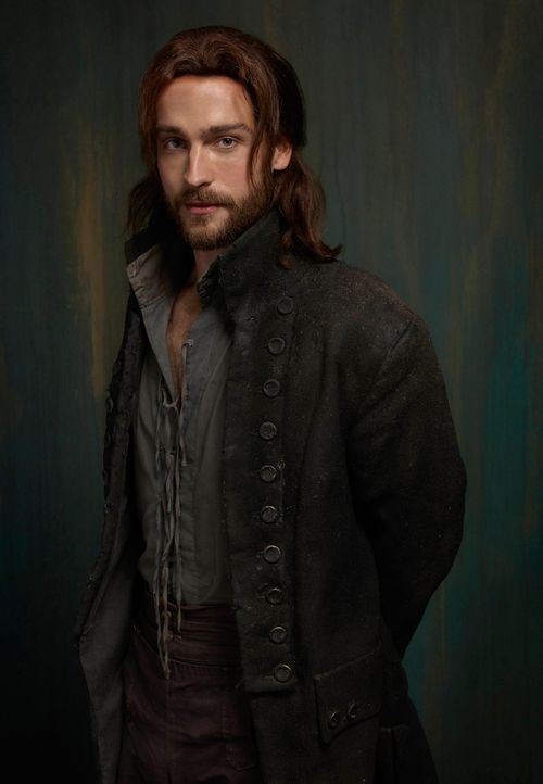 Sleepy-Hollow-Ichabod-Crane-Tom-Mison-(4)
