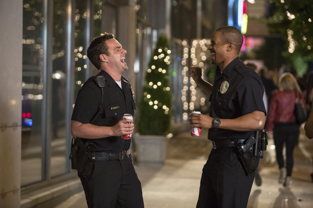 Lets-be-Cops-09-2014Twentieth-Century-Fox