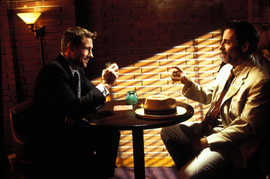 Wird es dem FBI-Agenten Gunther Butan (Andy Garcia, r.) gelingen, Jake Vigs (Edward Burns, l.) ausgeklügelten Plan zu durchschauen? - Bildquelle: Lions Gate Films Inc.