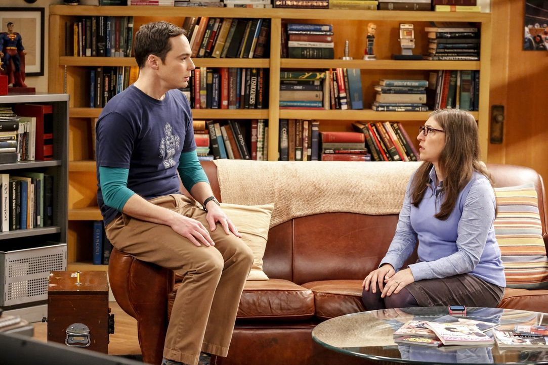 Sheldon (Jim Parsons, l.) will endlich einen Termin für die Hochzeit festlegen, doch Amy (Mayim Bialik, r.) sieht das ganze viel entspannter und for... - Bildquelle: Warner Bros. Television