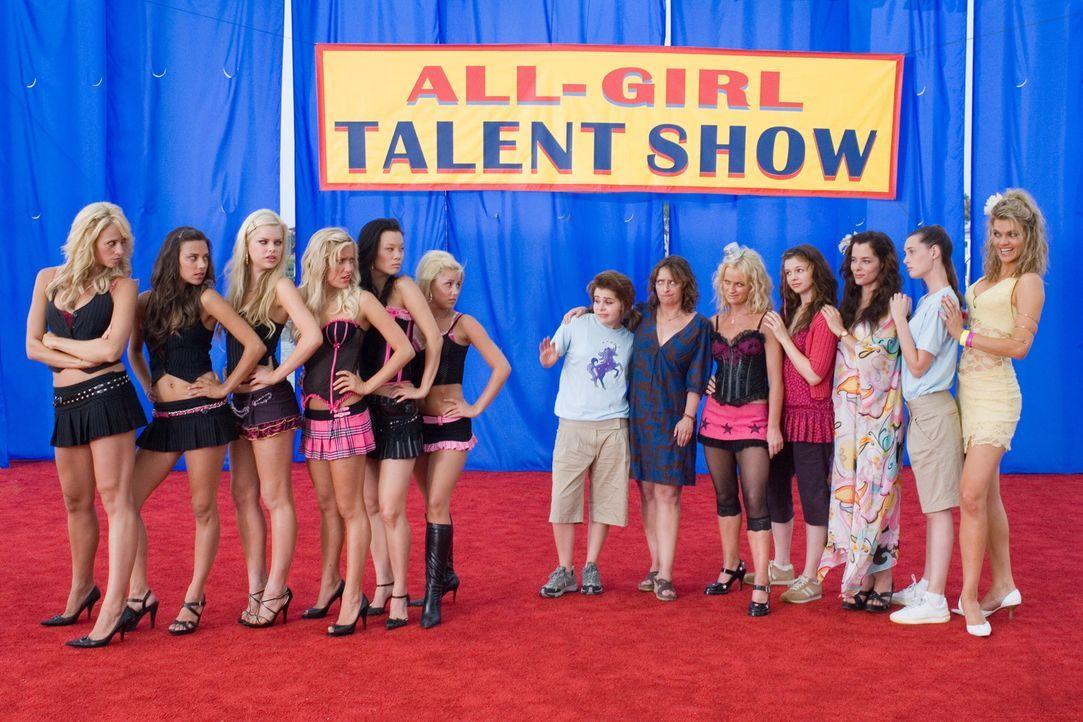 Die Talent Show beginnt für (v.l.n.r.) Jennifer Perry, Jana Kramer, Mason (Sophie Monk), Kristin Cavallari, Sabrina Song, und Audra Griffis, Lydia... - Bildquelle: Warner Bros.