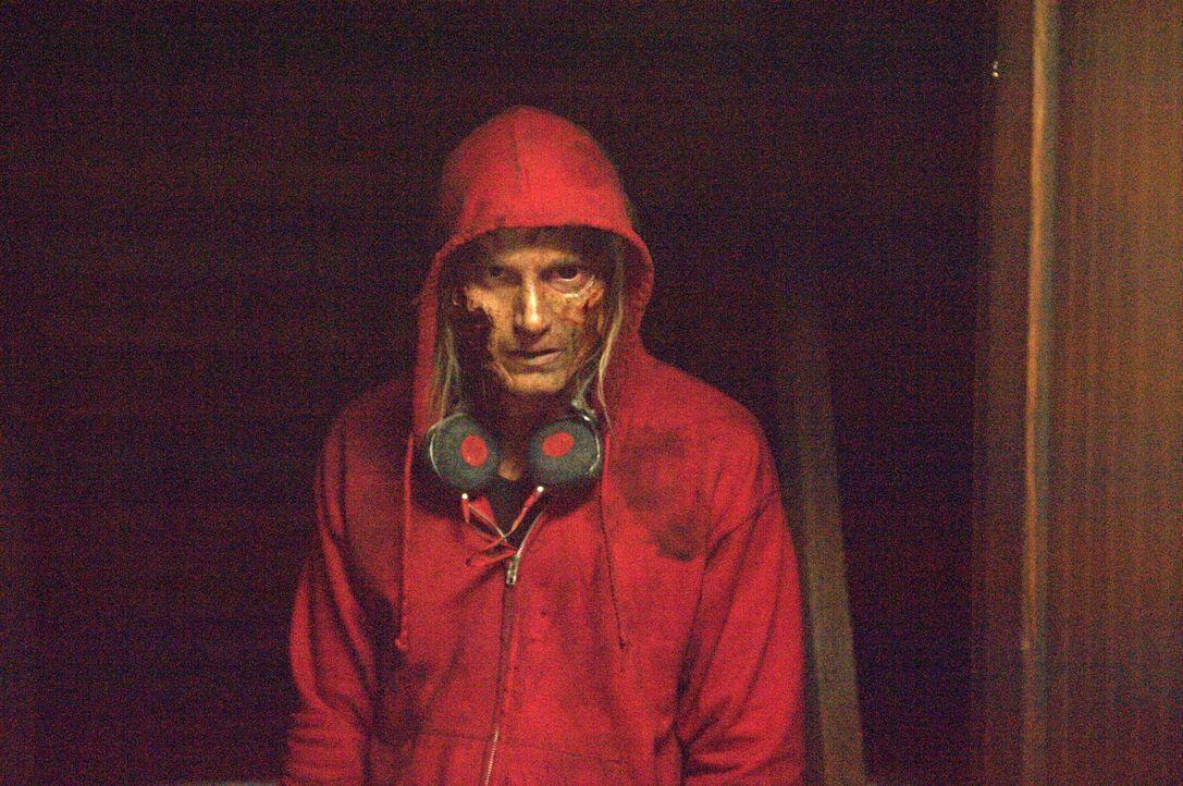 Verfolgt die Überlebenden in ihren Träumen: der mächtige Smartphone-Zombie (Joshua Mikel) ... - Bildquelle: Richard Foreman 2014 CELL Film Holdings, LLC ALL RIGHTS RESERVED.