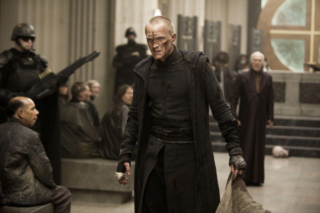 Obwohl seine Kirche behauptet, dass alle Vampire ausgerottet wurden, macht sich Priest (Paul Bettany) auf den gefährlichen Weg in die Wildnis, um s... - Bildquelle: Scott Garfield 2011 Screen Gems, Inc. All Rights Reserved.