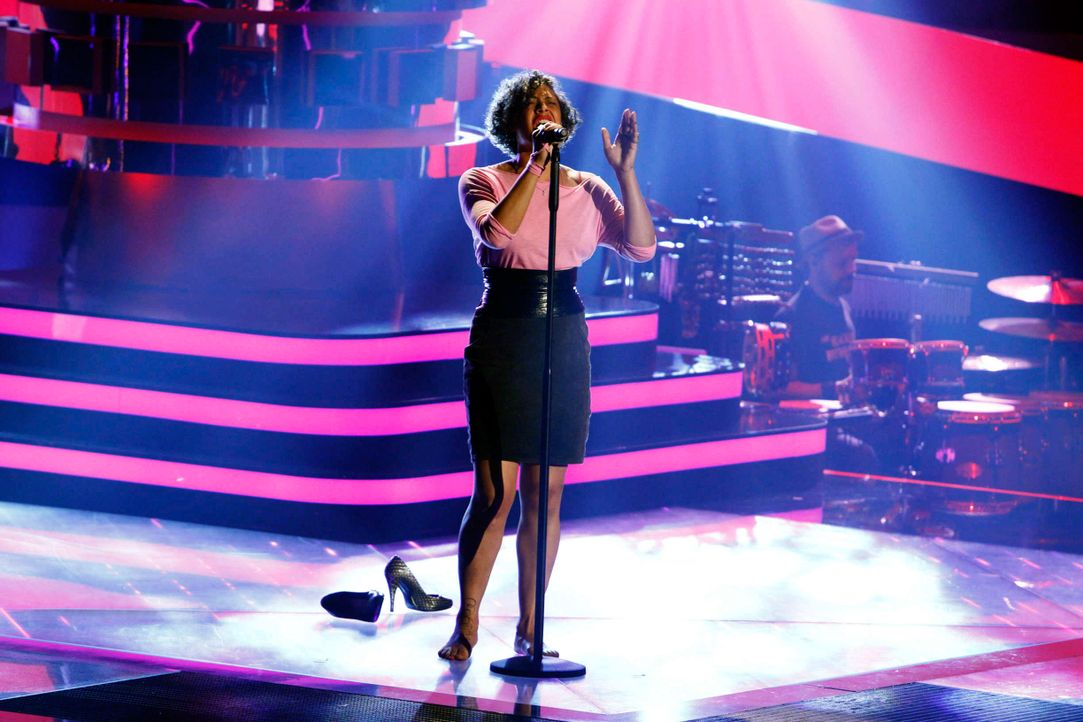 sandra-04-the-voice-of-germany-staffel-2-epi05-showjpg 2448 x 1632 - Bildquelle: SAT.1/ProSieben/Richard Hübner