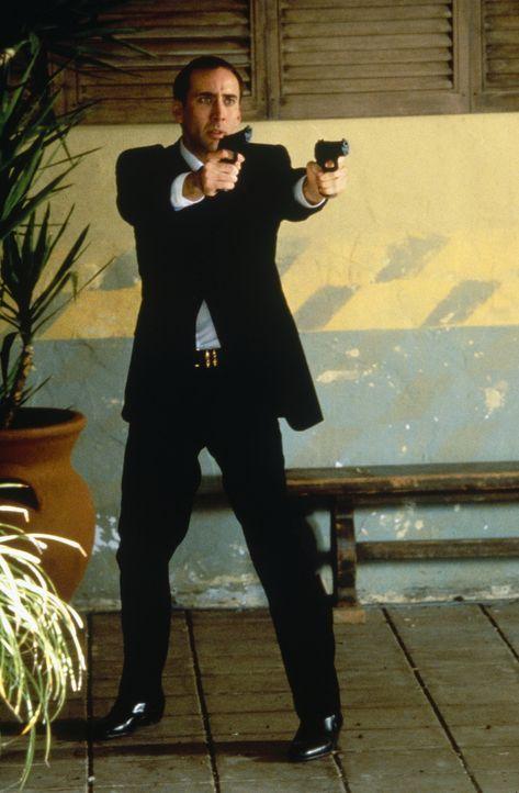 Nachdem sich der FBI-Agent Sean Archer (Nicolas Cage) das Gesicht seines Urfeindes Castor Troy hat implantieren lassen, beginnt für ihn ein apokalyp... - Bildquelle: Touchstone Pictures