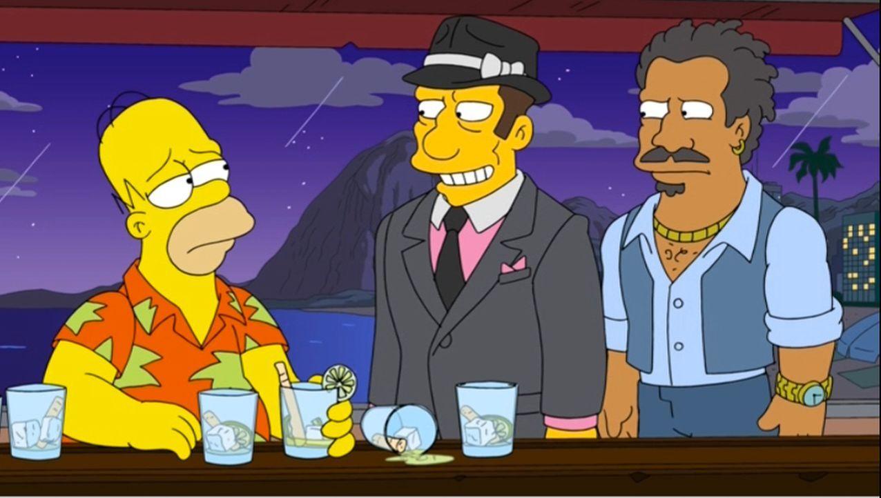 Auch wenn zwielichtige Gestalten Homer (l.) in Brasilien hohe Bestechungssummen anbieten, er bleibt standhaft und überzeugt als Schiedsrichter durch... - Bildquelle: 2013 Twentieth Century Fox Film Corporation. All rights reserved.