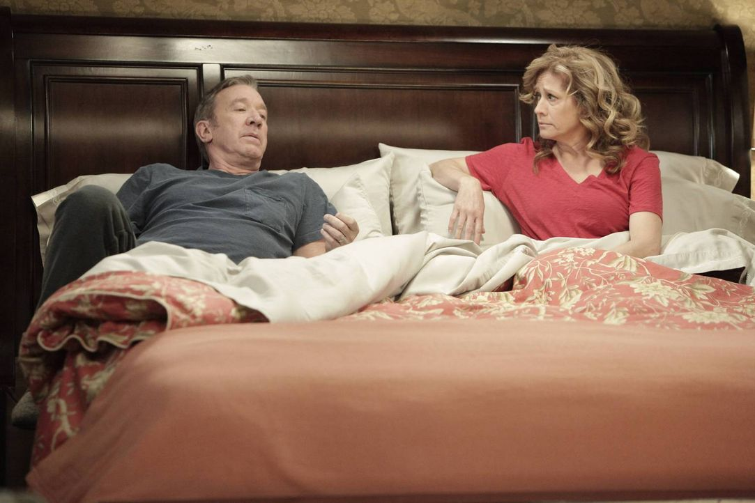 Der ganz normale Alltags-Wahnsinn lässt sich immer noch am besten im Bett besprechen: Mike (Tim Allen, l.) und Vanessa (Nancy Travis, r.) ... - Bildquelle: 2014 Twentieth Century Fox Film Corporation. All rights reserved.