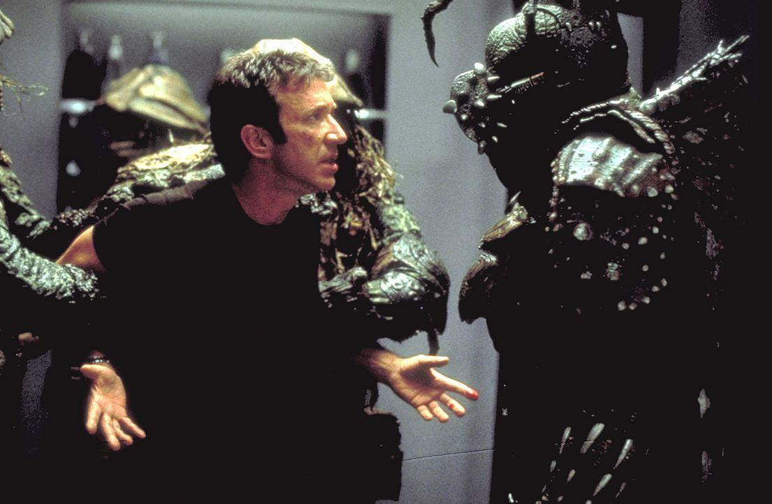 Als Außerirische Commander Jason Nesmith (Tim Allen, M.) entführen, damit er ihren Planeten von einem teuflischen Tyrannen befreit, stellt sich f - Bildquelle: DreamWorks Distribution LLC