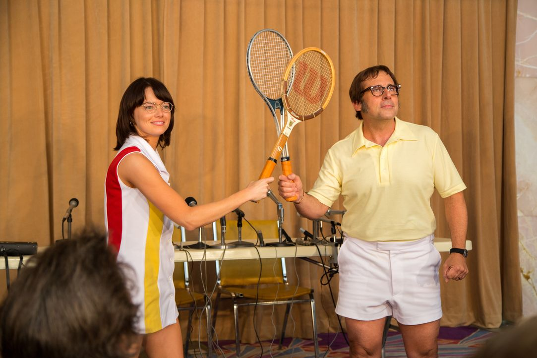 Billie Jean King (Emma Stone, l.); Bobby Riggs (Steve Carell, r.) - Bildquelle: Melinda Sue Gordon 2017 Twentieth Century Fox Film Corporation.  All rights reserved. / Melinda Sue Gordon