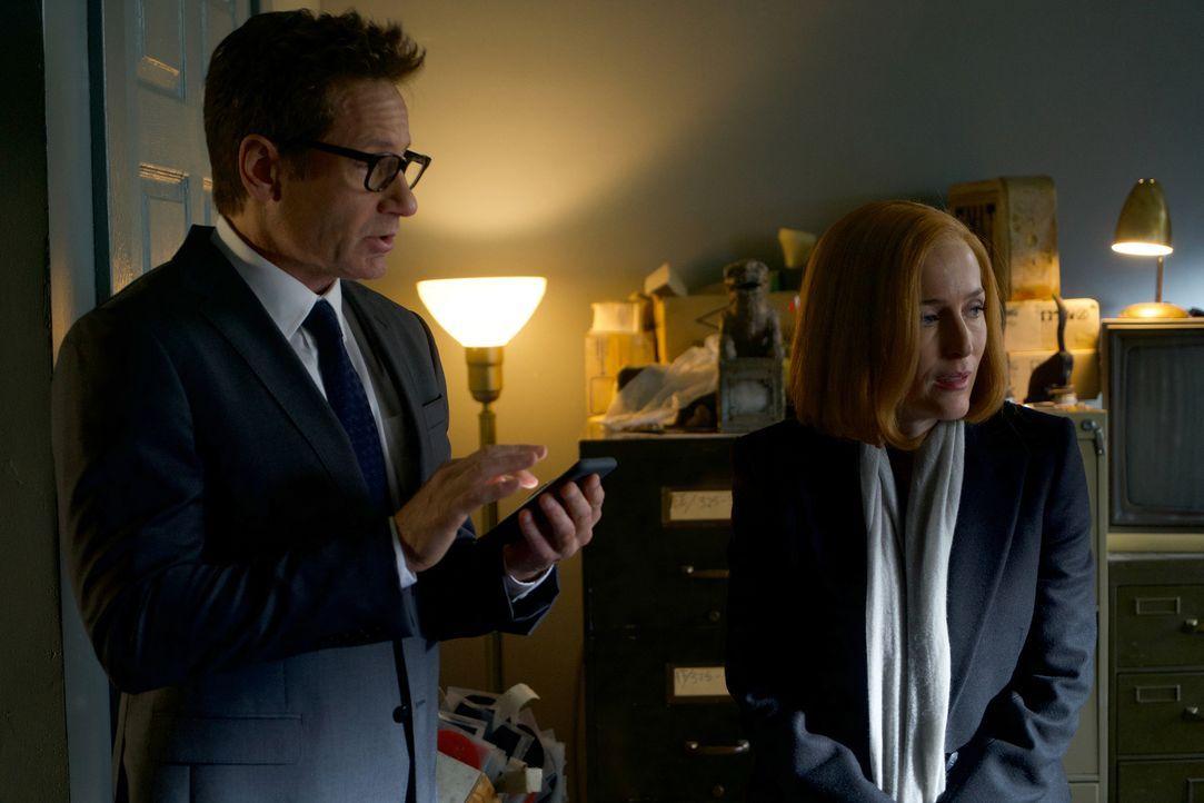 Als Scully (Gillian Anderson, l.) und Mulder (David Duchovny, r.) einen Kult entdecken, ahnen sie noch nicht, welch grausame Rituale die Anführer du... - Bildquelle: Shane Harvey 2018 Fox and its related entities.  All rights reserved.