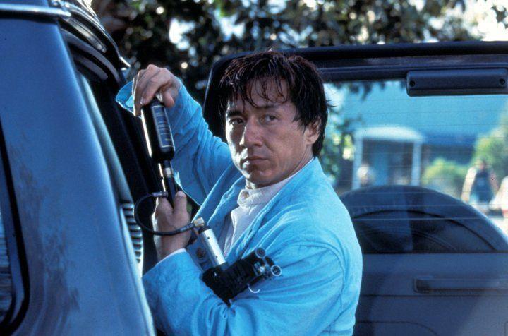 Karate-Künstler Jackie (Jackie Chan) greift im Falle des Falles auf sein technisches Equipment zurück ... - Bildquelle: Warner Bros.