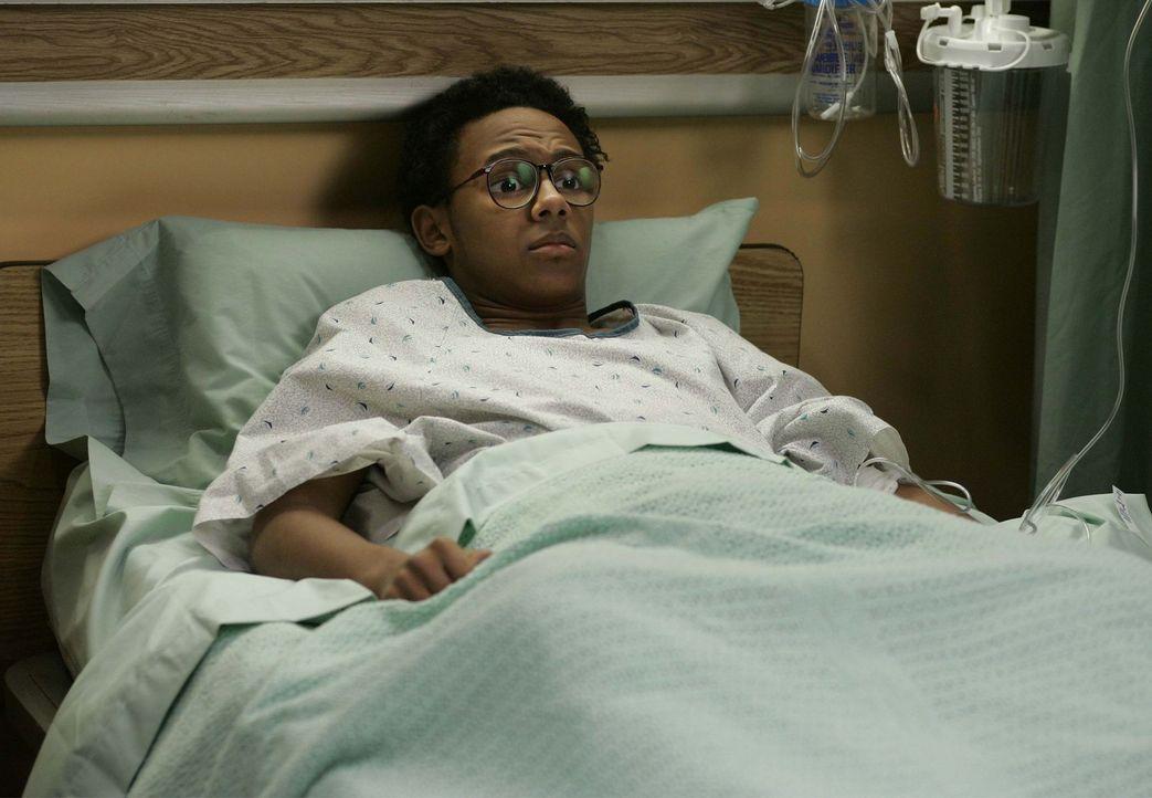 Stevie (Craig Lamar Traylor) wird ins Krankenhaus eingeliefert, doch Malcolm hat immer eine Ausrede, um ihn nicht besuchen zu müssen ... - Bildquelle: TM +   2000 Twentieth Century Fox Film Corporation. All Rights Reserved.