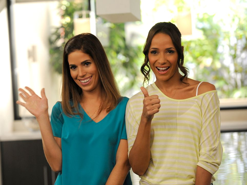 Während Genevieve sich gezwungen sieht, über ihr Alter zu lügen, versuchen Rosie (Dania Ramirez, r.) und Marisol (Ana Ortiz, l.) weiter, an Hintergr... - Bildquelle: ABC Studios